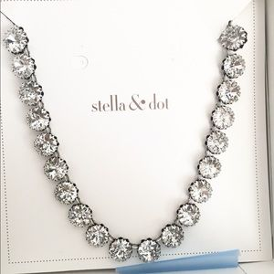 •Stella & Dot Vintage Crystal Necklace•